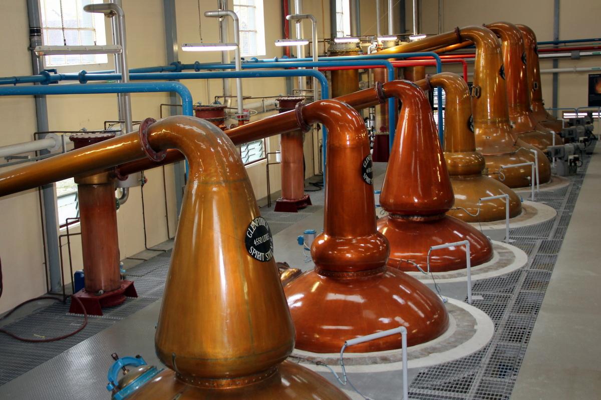 Destilační kotle v palírně Glenfiddich